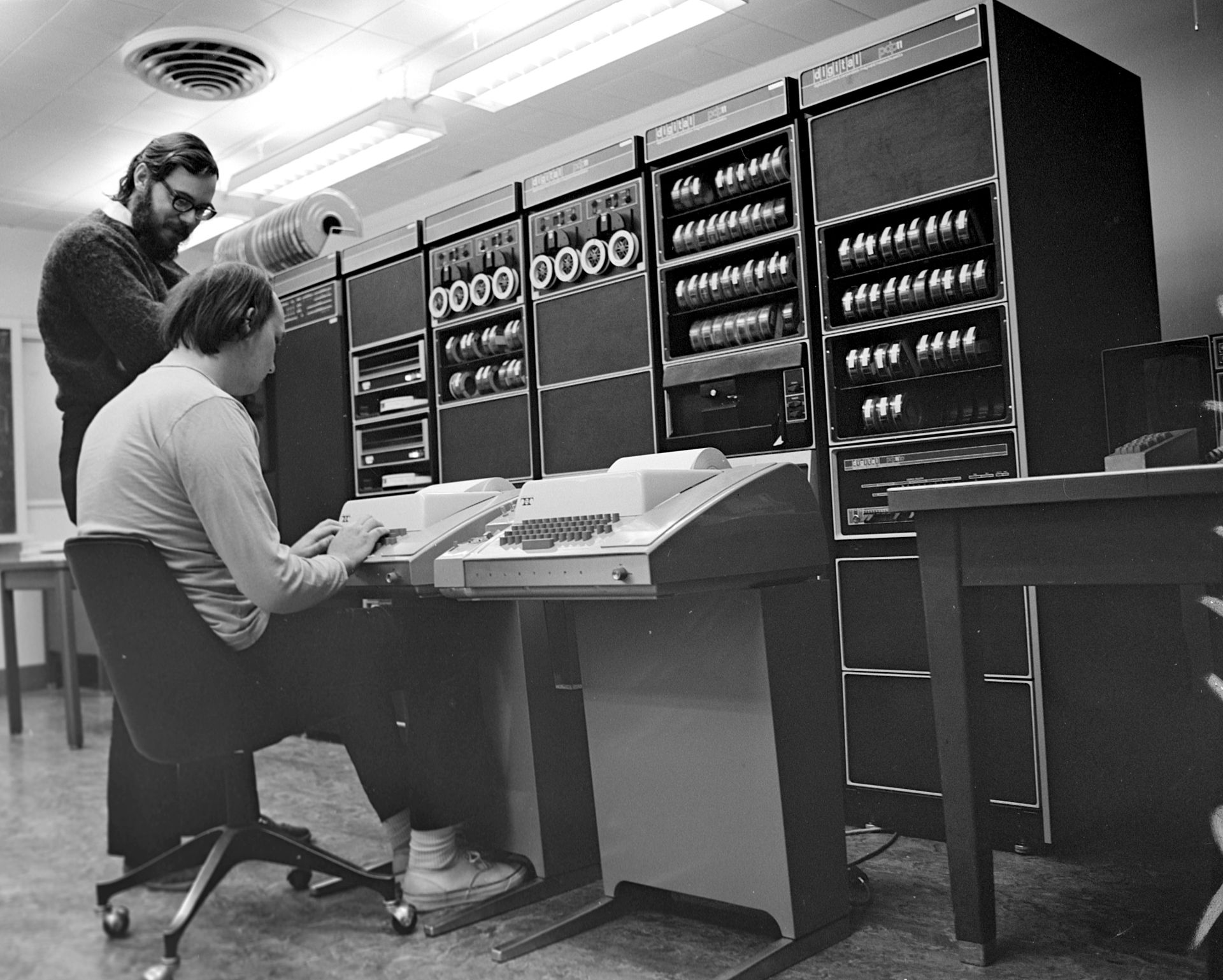 Ken Thompson and Dennis Ritchie, creators of UNIX. CC BY-SA 2.0 from http://en.wikipedia.org/wiki/Unix#/media/File:Ken_Thompson_(sitting)_and_Dennis_Ritchie_at_PDP-11_(2876612463).jpg
